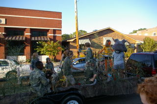 HomecomingParade2008 016