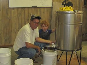 2011 Honey Harvest 001